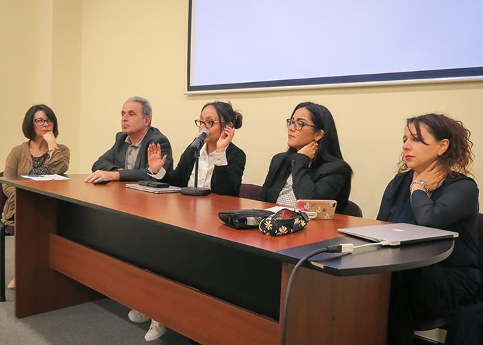 Charla sobre género y presentación de Universidad Verdad