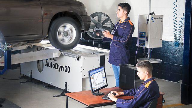 Ingeniería en Mecánica Automotriz